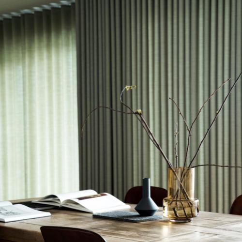 Topnotch Lounge Living | Eksklusive lange gardiner i hotelstil er tidens DD-66