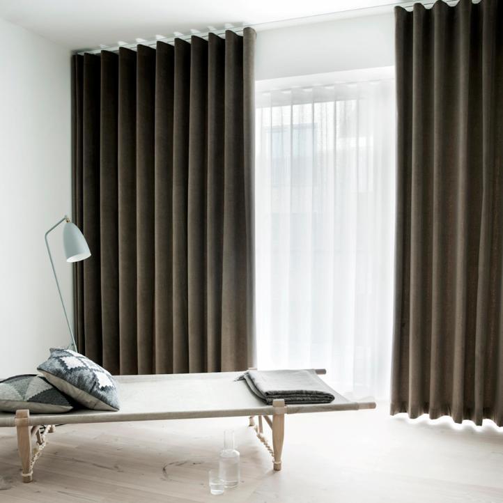 Bare ut Eksklusive lange gardiner i hotelstil er en af tidens helt store AQ-24